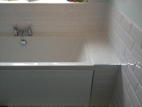 White-Modern-Bath-Tiles