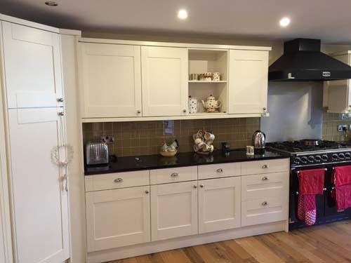 White-Modern-kitchen-units